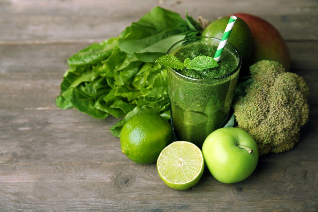 Blend a Plant-Based Smoothie - Quick Weight Loss Tips 10 Painless Ways to Lose Weight Fast