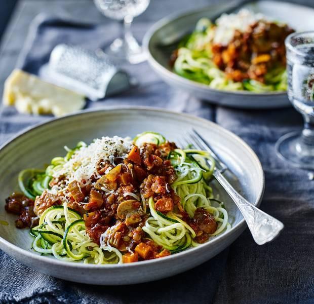Low Carb Pasta - Lentil Bolognese zucchini pasta